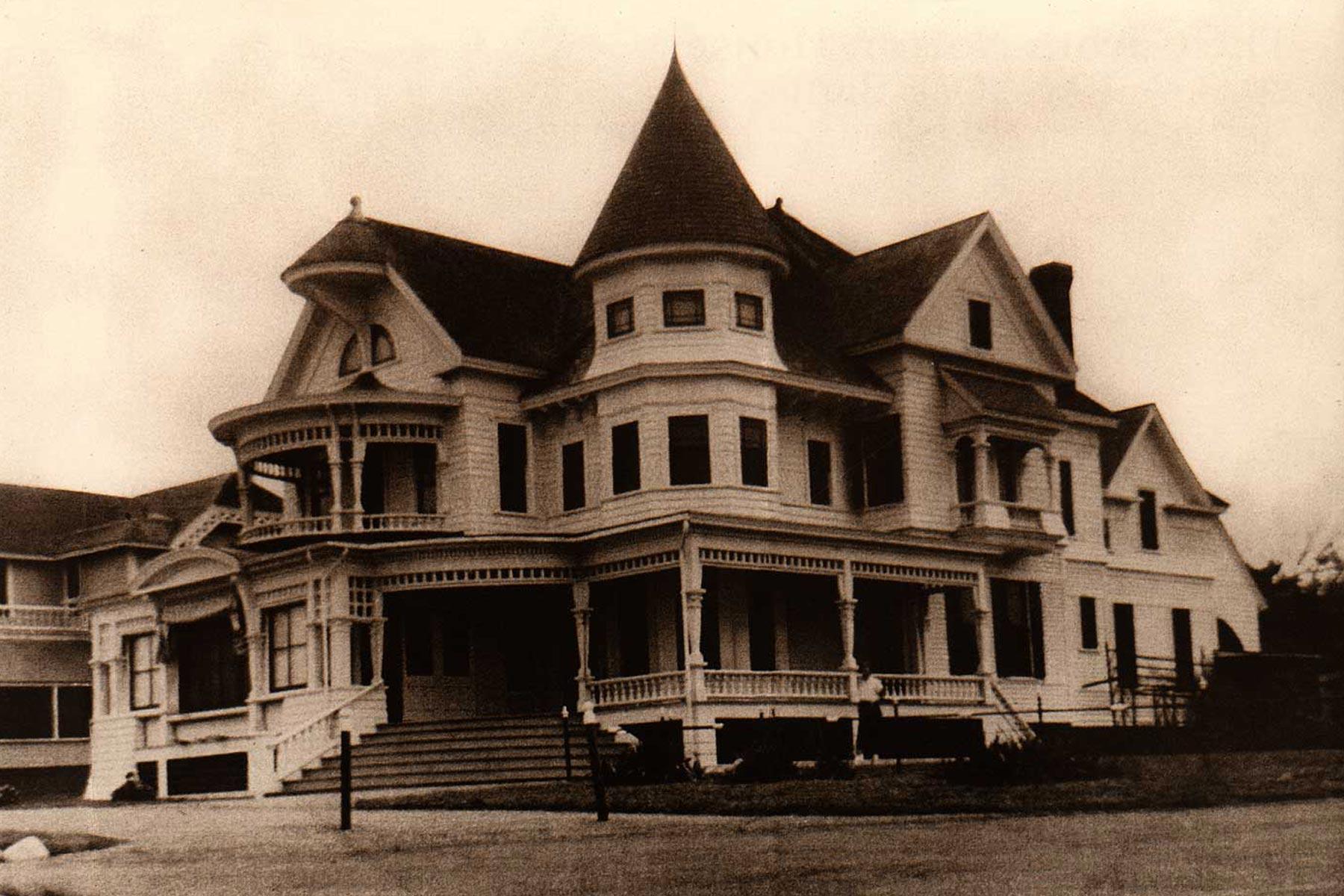 Corbin-Norton-House-Marthas-Vineyard-Historic